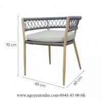 huyên cung cấp bàn ghế ngoài trời bằng sắt